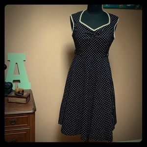 Dresses & Skirts - NWT Midi Polka Dot Dress